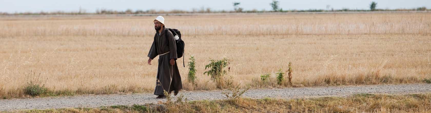 Resultado de imagen de Desde el camino, a lo lejos, se veía el Campanario de la Iglesia