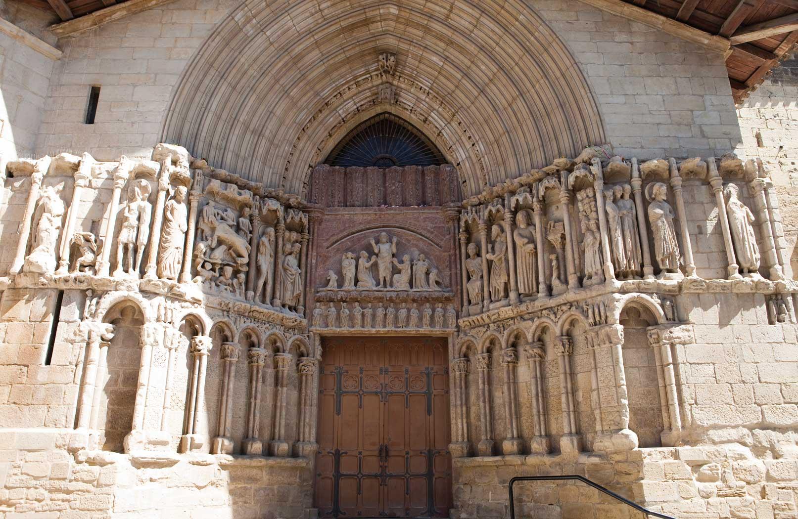 Resultado de imagen de iglesia de santiago logroño junto al ebro